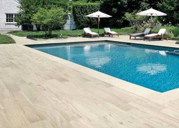 Pavimentado exterior piscina